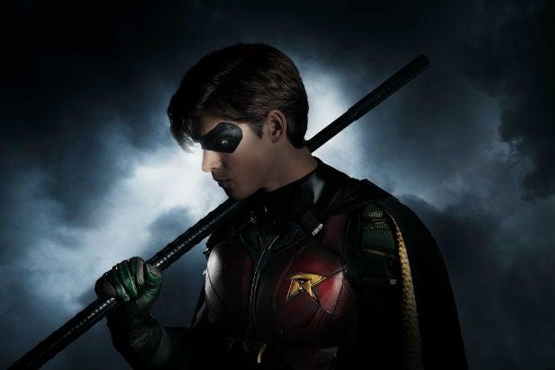 Titans Robin Dick Grayson Brenton Thwaites