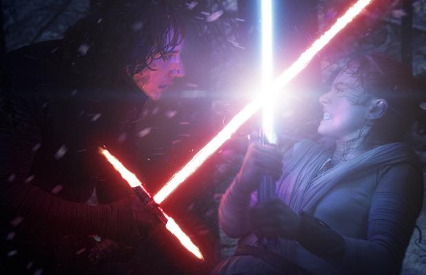 star wars the last jedi rey fights kylo ren