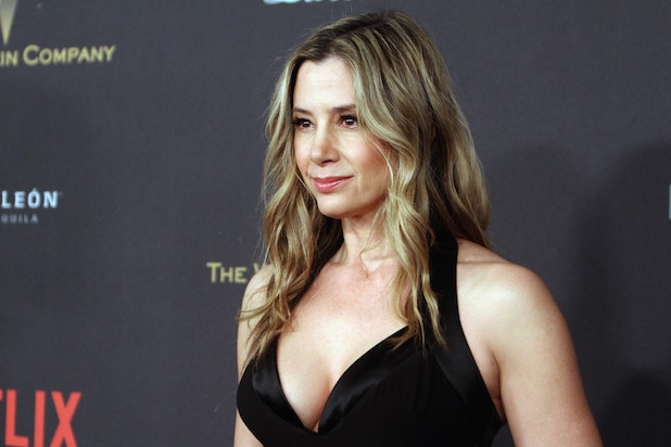 Mira Sorvino  Heartsick  Over Asia Argento Allegations   Hoping It ... f6b0fa5706b
