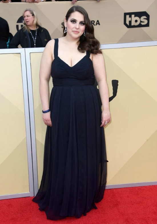 beanie feldstein sag awards red carpet