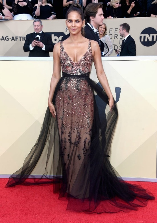 halle berry sag awards red carpet