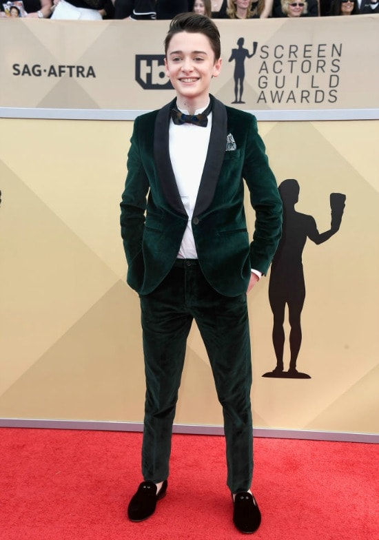 noah schnapp stranger things sag awards red carpet