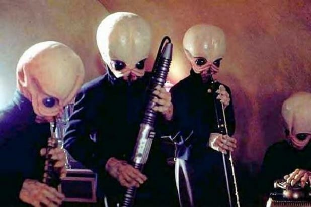 Someone Wrote an Equation in Pencil That Sounds Like the 'Star Wars' 'Cantina Theme'