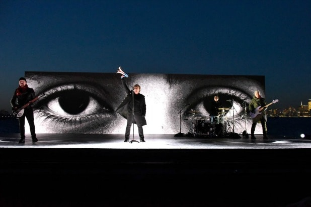 u2 grammys outside