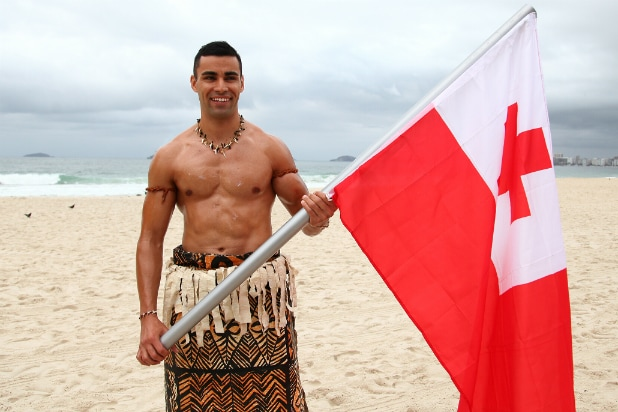 Tonga's Pita Taufatofua repeats shirtless walk for Winter Games opener