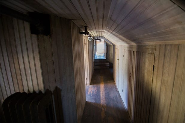 13 Peculiar Facts About The Winchester Mystery House Photos