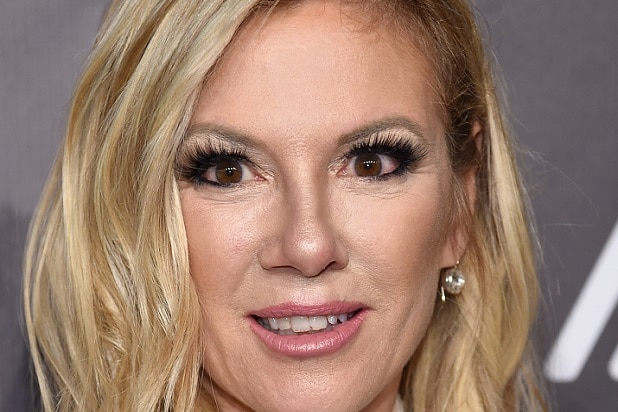 Carmen Electra 2018 Dating Meme Round Bitches