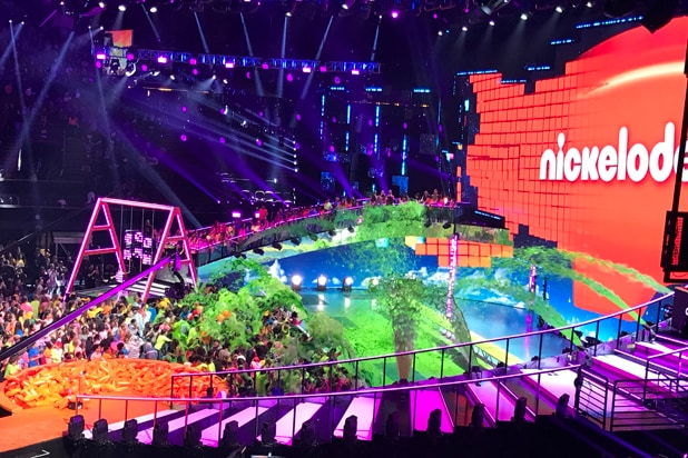 821c6dc07 Nickelodeon 'Kids' Choice Awards': 13 Things You Didn't See on TV
