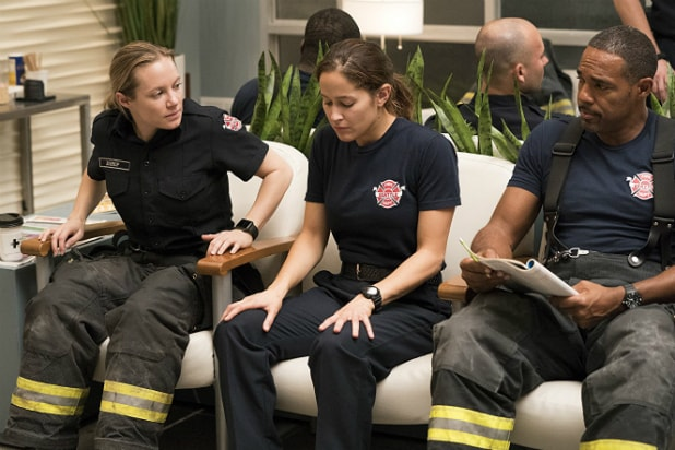 What time does the Station 19 premiere start?