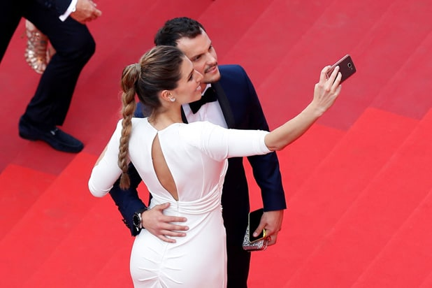 Festival de Cannes prohibits ' selfies ' on red carpet