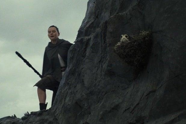 star wars the last jedi cliffside porg