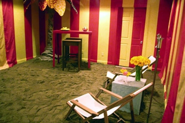 13 Worst Trading Spaces Designs From The Sob Inducing Fireplace To Straw Covered Walls Photos