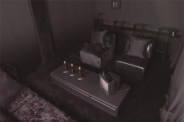 13 Worst 'Trading Spaces' Designs, From the Sob-Inducing Fireplace