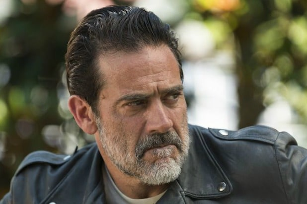 the walking dead negan jeffrey dean morgan questions for season 8 finale