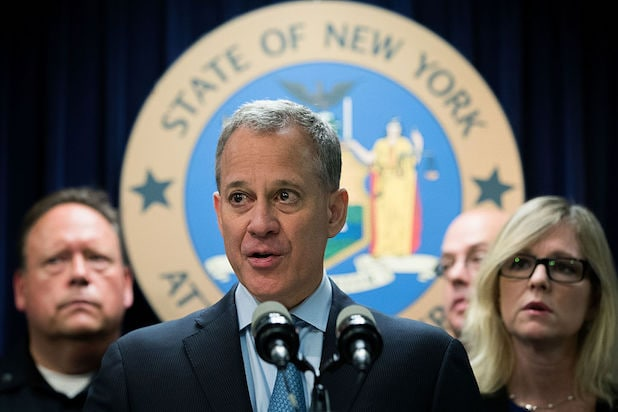 6be937b413136b Anti-Weinstein Prosecutor Eric Schneiderman Resigns After Accusations of  Abuse Against 4 Women