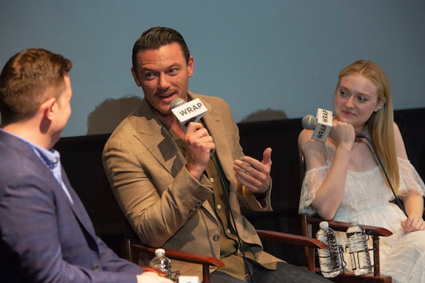 Luke Evans Dakota Fanning The Alienist