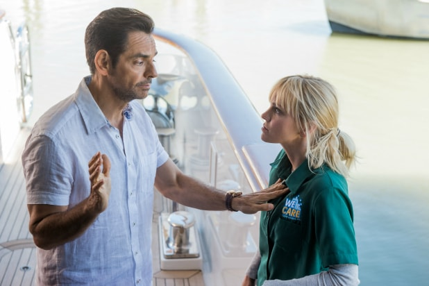 Overboard 2020 Review.Overboard Film Review Flimsy Remake Lacks Buoyancy