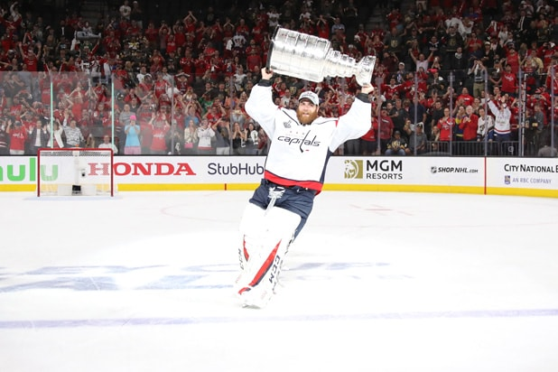 Washington Capitals hoist Stanley Cup