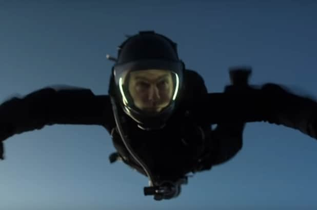 tom cruise mission impossible fallout skydive
