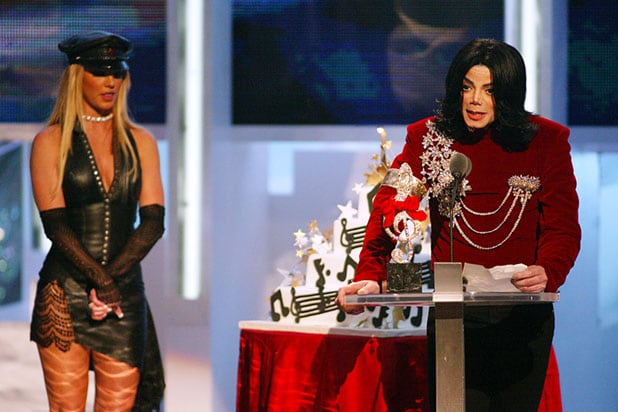 2002 MTV Video Music Awards - Michael Jackson Britney Spears