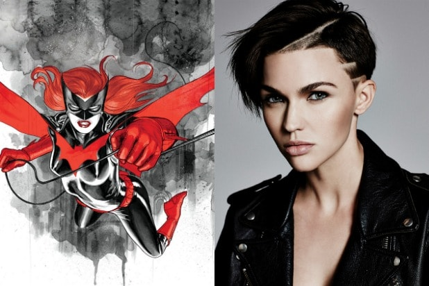 Batwoman First Look At Ruby Rose S Superhero Costume