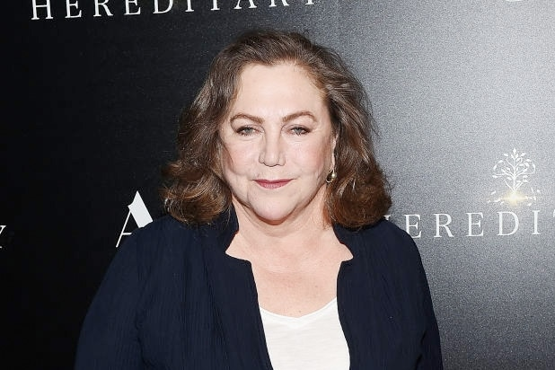 Kathleen Turner Gets Real About Trump Tvs Friends In Vulture