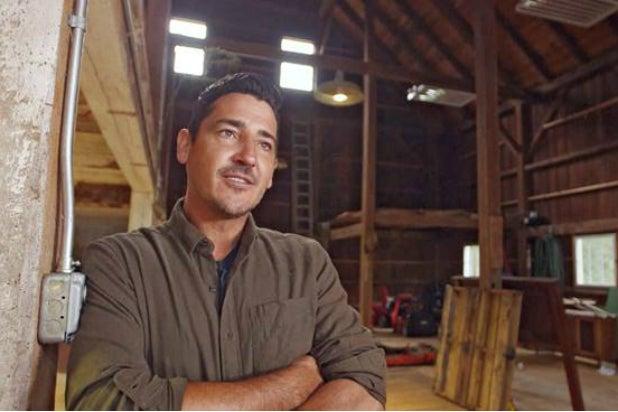 Jonathan Knight on HGTV's 'Farmhouse Fixer'