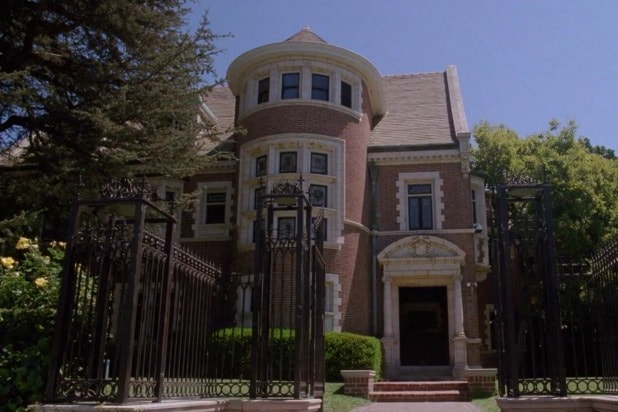 american horror story apocalypse ahs finally getting to the murder house stuff