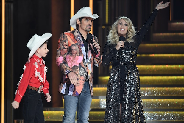 MASON RAMSEY, BRAD PAISLEY, CARRIE UNDERWOOD CMA AWARDS