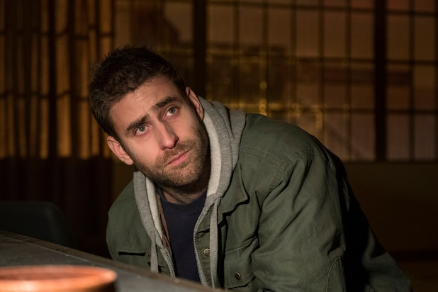 'Haunting of Hill House' Star Oliver Jackson-Cohen Will 'Get Shot' if He Tells Us He's in 'Bly Manor'