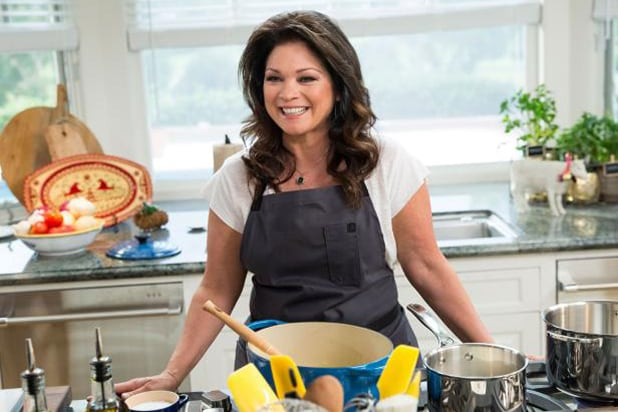 Valerie Bertinelli. Food Network  sc 1 st  The Wrap & Valerie Bertinelli to Host u0027Family Food Showdownu0027 Under New Multi ...