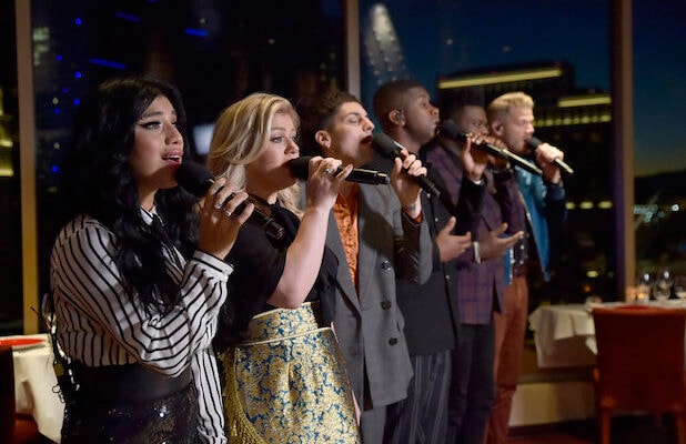 Pentatonix Christmas Special 2019.Ratings Pentatonix Christmas Can T Hold A Candle To John