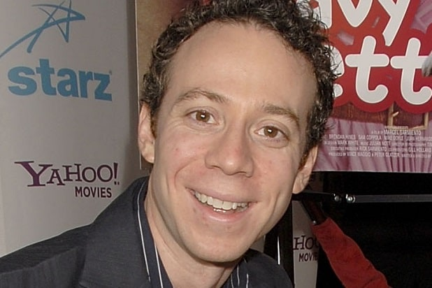 'Big Bang Theory' Star Kevin Sussman Makes a Shady Offer in Behind-the-Scenes Look (Video)