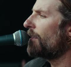 Bradley Cooper A Star is Born Singing