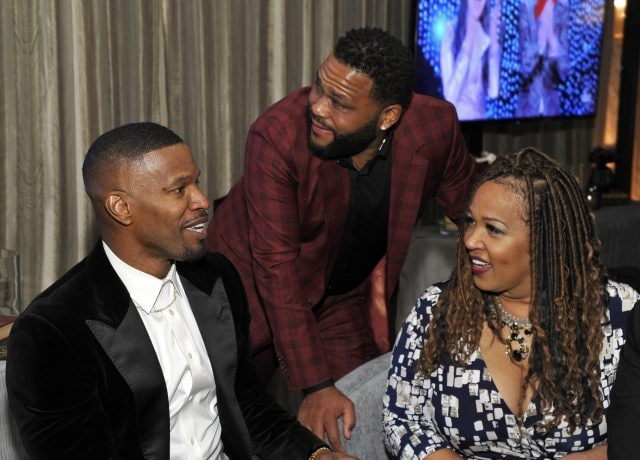 LOS ANGELES, CALIFORNIA - FEBRUARY 24: (L-R) Jamie Foxx, Anthony Anderson and Kym Whitley attend the Mercedes-Benz USA Awards Viewing Party at Four Seasons Los Angeles at Beverly Hills on February 24, 2019 in Los Angeles, California. (Photo by John Sciulli/Getty Images for Mercedes-Benz USA)