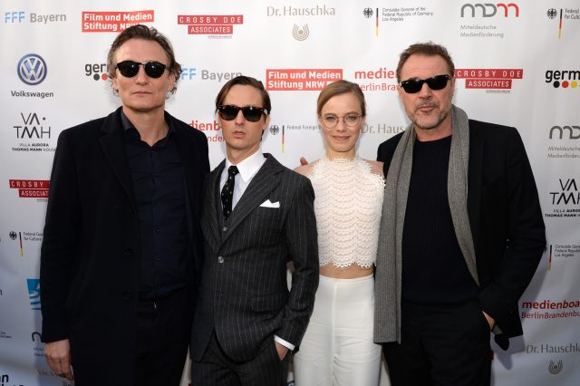 PACIFIC PALISADES, CALIFORNIA - FEBRUARY 23: (L-R) Oliver Masucci, Tom Schilling, Saskia Rosendahl and Sebastian Koch attend the German Oscar reception at The Villa Aurora on February 23, 2019 in Pacific Palisades, California. (Photo by Andrew Toth/Getty Images)