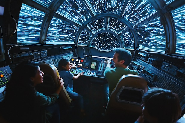 Star Wars: Galaxy's Edge - Millennium Falcon: Smugglers Run