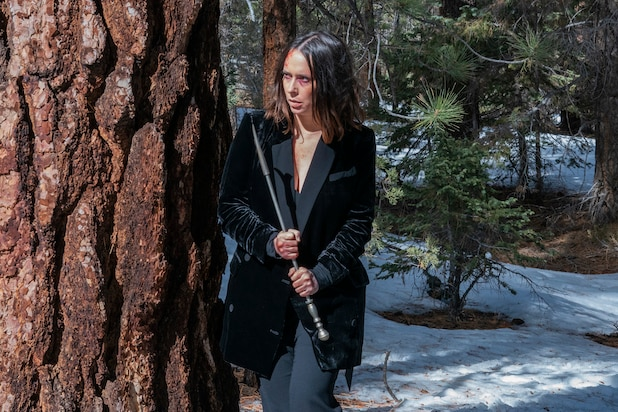 '9-1-1': Jennifer Love Hewitt on That Bloody Snow Battle – and Its 'I Know What You Did Last Summer' Joke