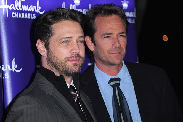 458d8953f Jason Priestley Posts Tribute to Late '90210' Co-Star Luke Perry ...