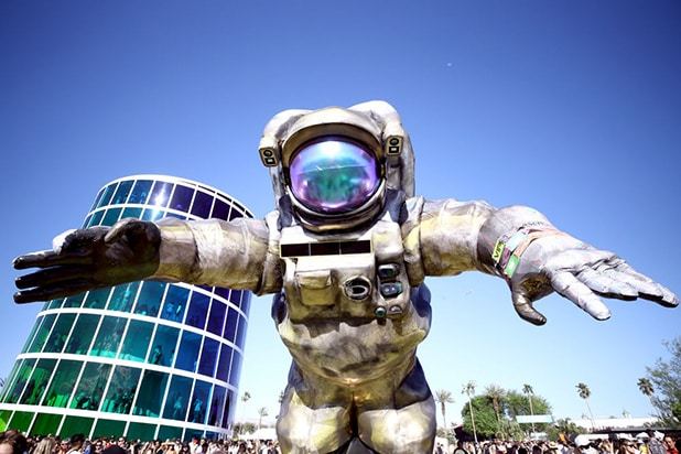 Coachella Space man 2019 - Poetic Kinetics Goldenvoice