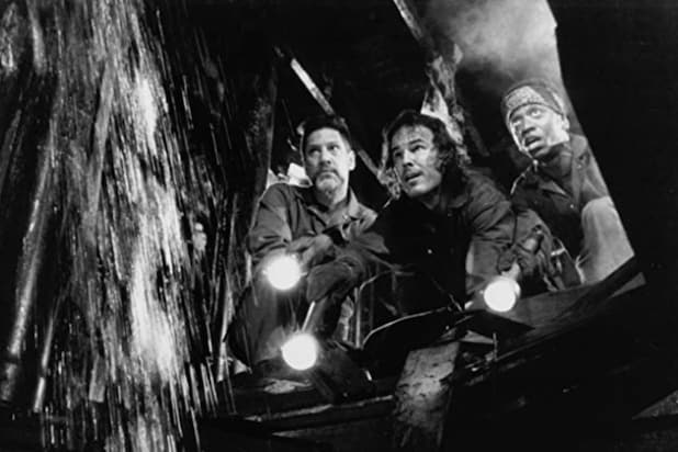 "Still of Andrew Divoff, Stephen Macht and Jimmy Woodard in ""Graveyard Shift"""