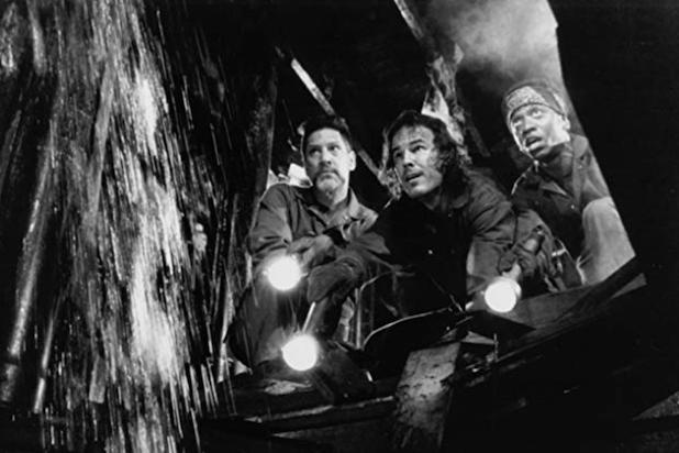 "Still of Andrew Divoff, Stephen Macht and Jimmy Woodard in ""Graveyard Shift"""