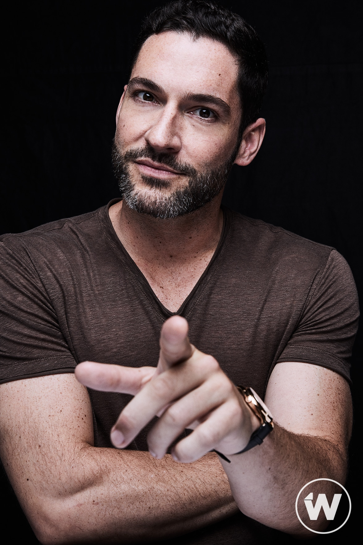 'Lucifer' Star Tom Ellis Exclusive StudioWrap Portraits ...