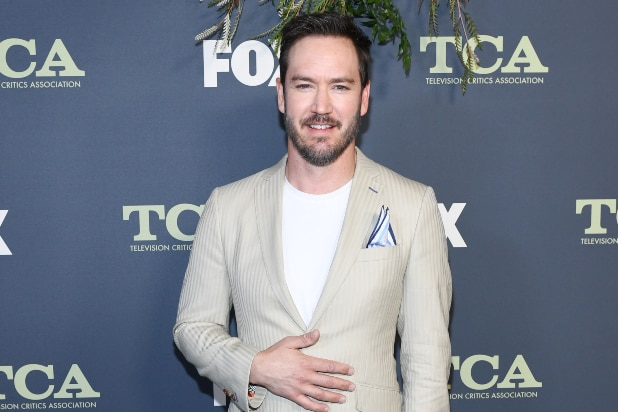 Mark-Paul Gosselaar to Replace Anders Holm as Bow's Dad in ABC's 'Mixed-ish'