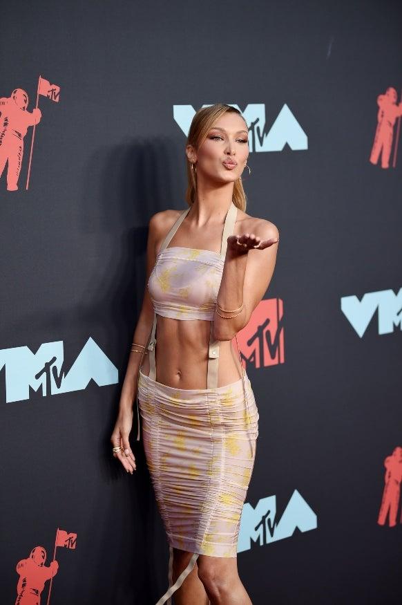 Bella Hadid VMAs 2019
