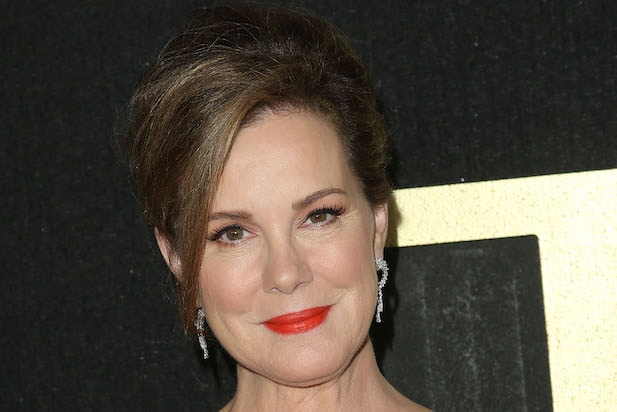 Elizabeth Perkins to Star on Fox's Holiday Event Series 'A Moody Christmas'