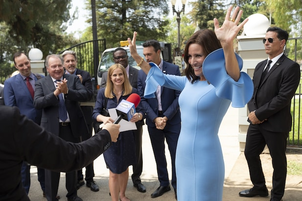 Julia Louis Dreyfus Beats Cancer And Veep Looks To Beat