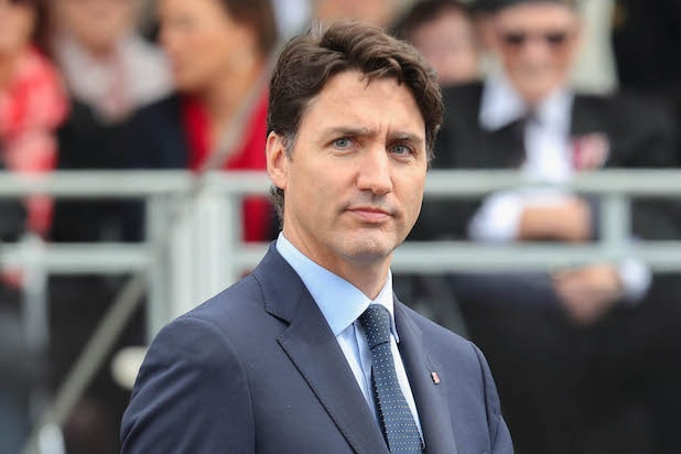 Justin Trudeau Apologizes for 2001 Brownface Photo: 'I'm Pissed Off At Myself' thumbnail