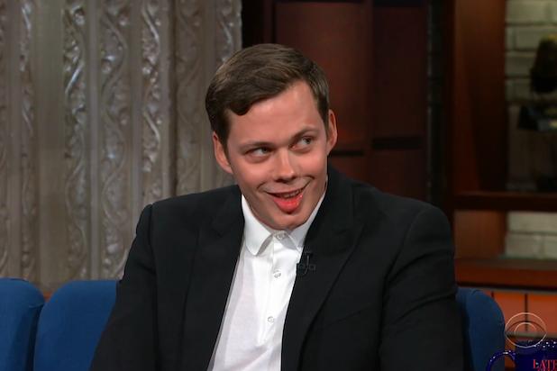 Wondrous Bill Skarsgard Teaches Stephen Colbert How To Do Pennywises Ncnpc Chair Design For Home Ncnpcorg