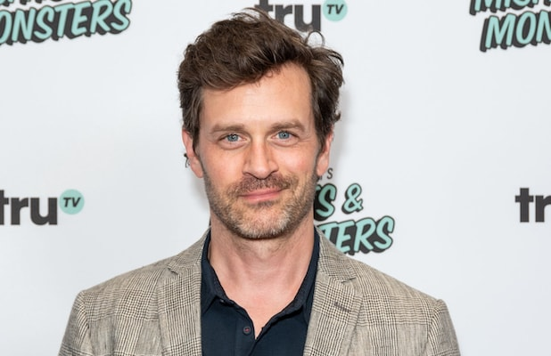 Tremendous Tom Everett Scott Joins Cast Of Warner Bros Teen Drama Clouds Gmtry Best Dining Table And Chair Ideas Images Gmtryco